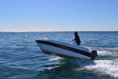 lloguer vaixell sense llicència