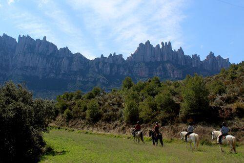 Monestir de Montserrat i ruta a cavall