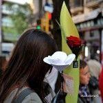 noia amb roses