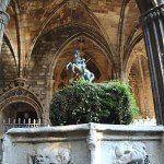 Sant Jordi al claustre de la Catedral