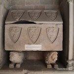 tomba al claustre de Sant Pau del Camp