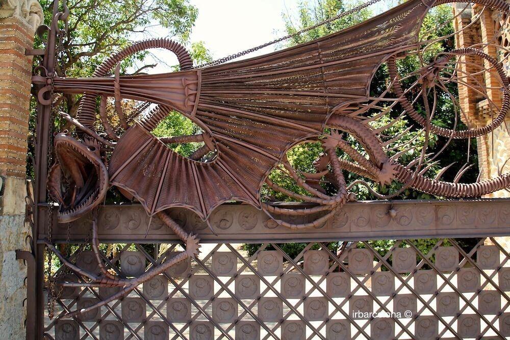 drac mitològic entrada
